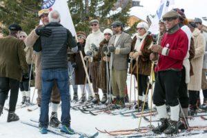 Des passionnés de ski des années 30 a 60
