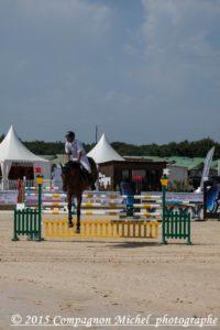 Compétition de saut d'obstacle